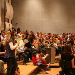 Das Publikum tobt begeistert