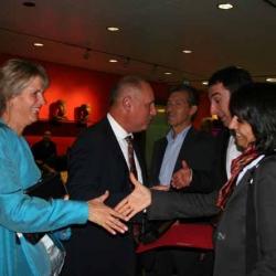 Muhterem Aras und Cem Özdemir gratulieren Ahmet und Barbara Baydur